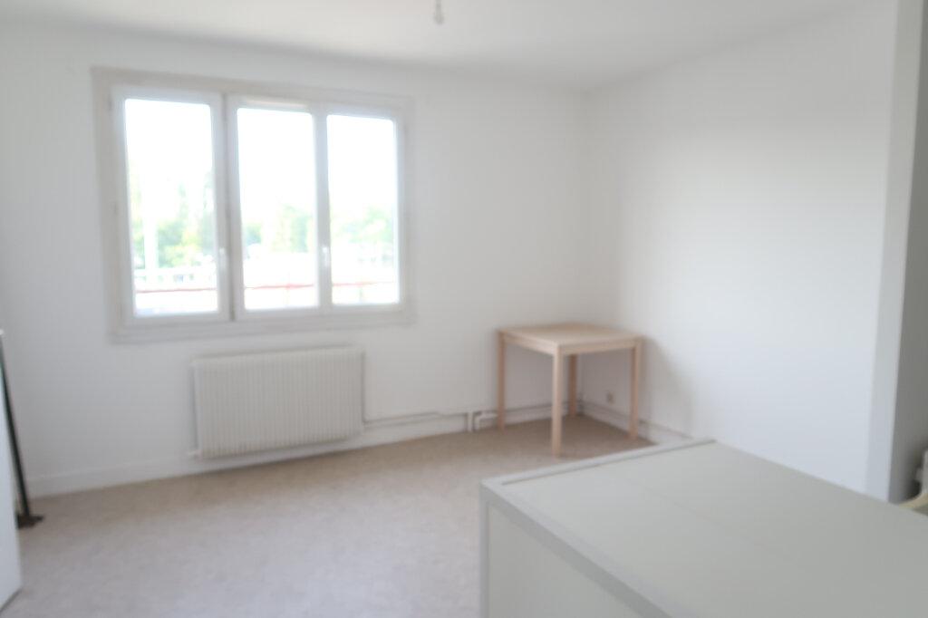 Appartement à louer 2 34.89m2 à Mitry-Mory vignette-1
