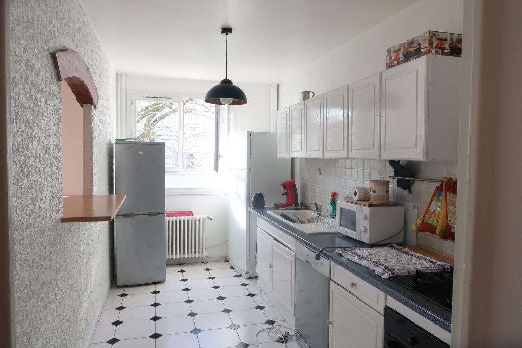 Appartement à louer 3 64.06m2 à Mitry-Mory vignette-2
