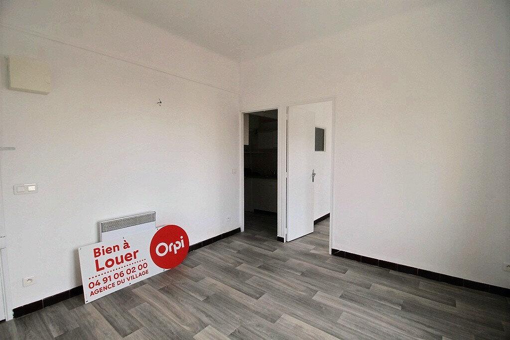 Appartement à louer 2 30m2 à Marseille 4 vignette-2