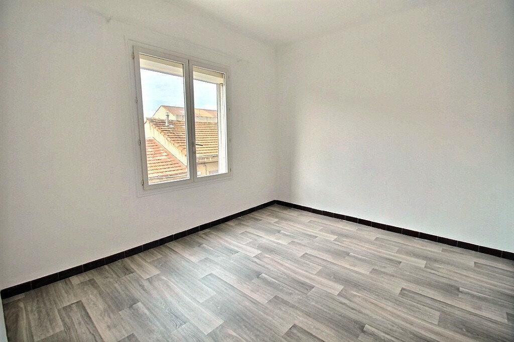 Appartement à louer 2 30m2 à Marseille 4 vignette-4