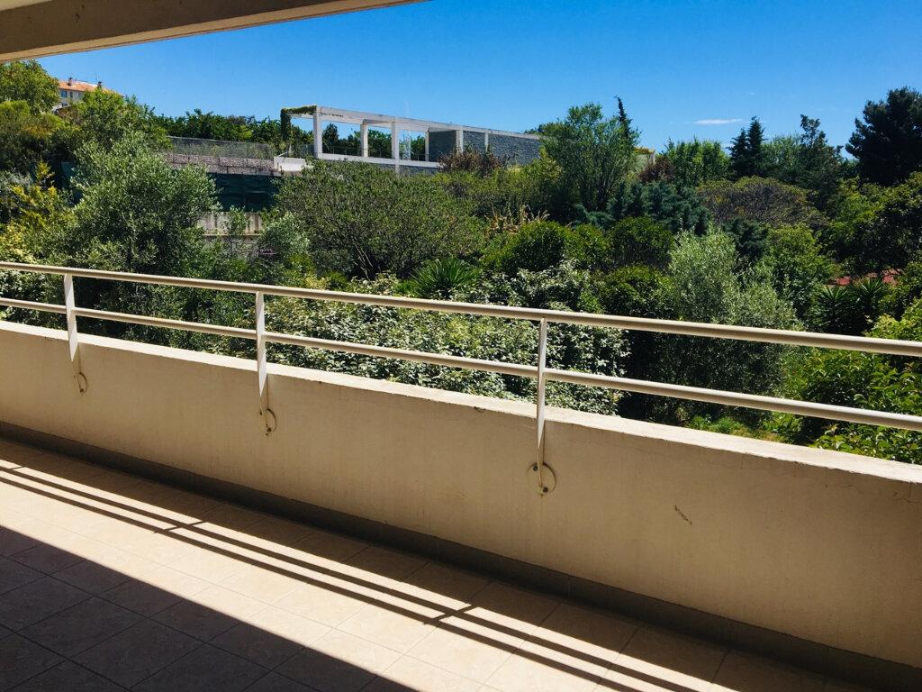 Appartement à louer 3 68m2 à Marseille 12 vignette-2