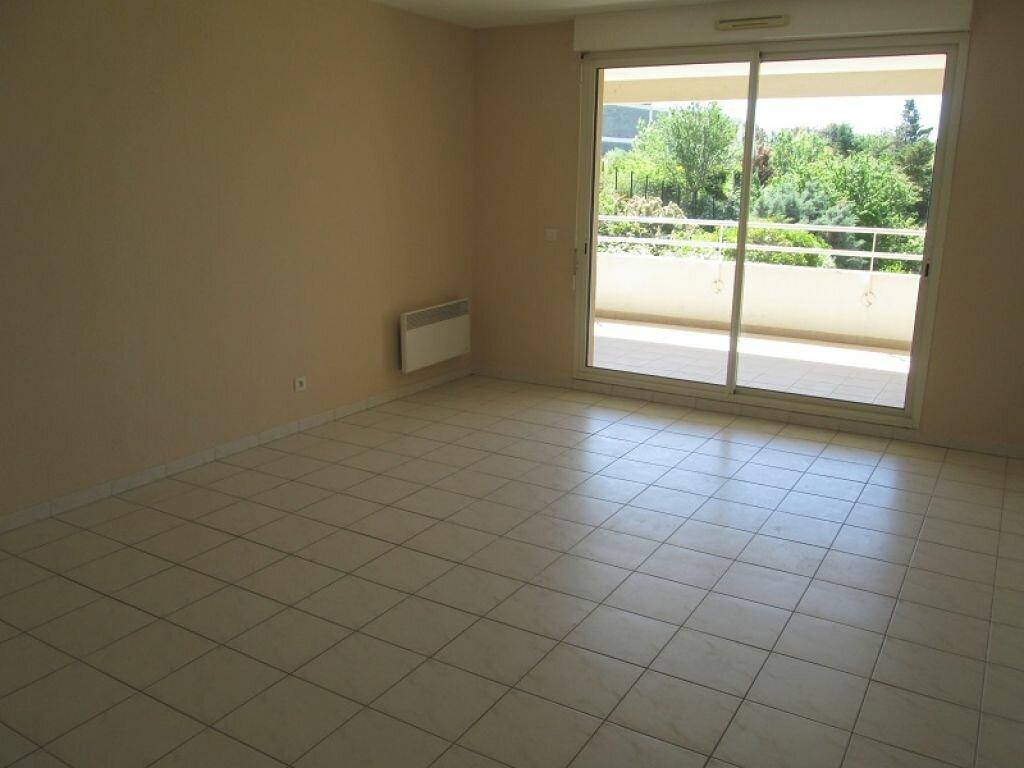 Appartement à louer 3 68m2 à Marseille 12 vignette-5