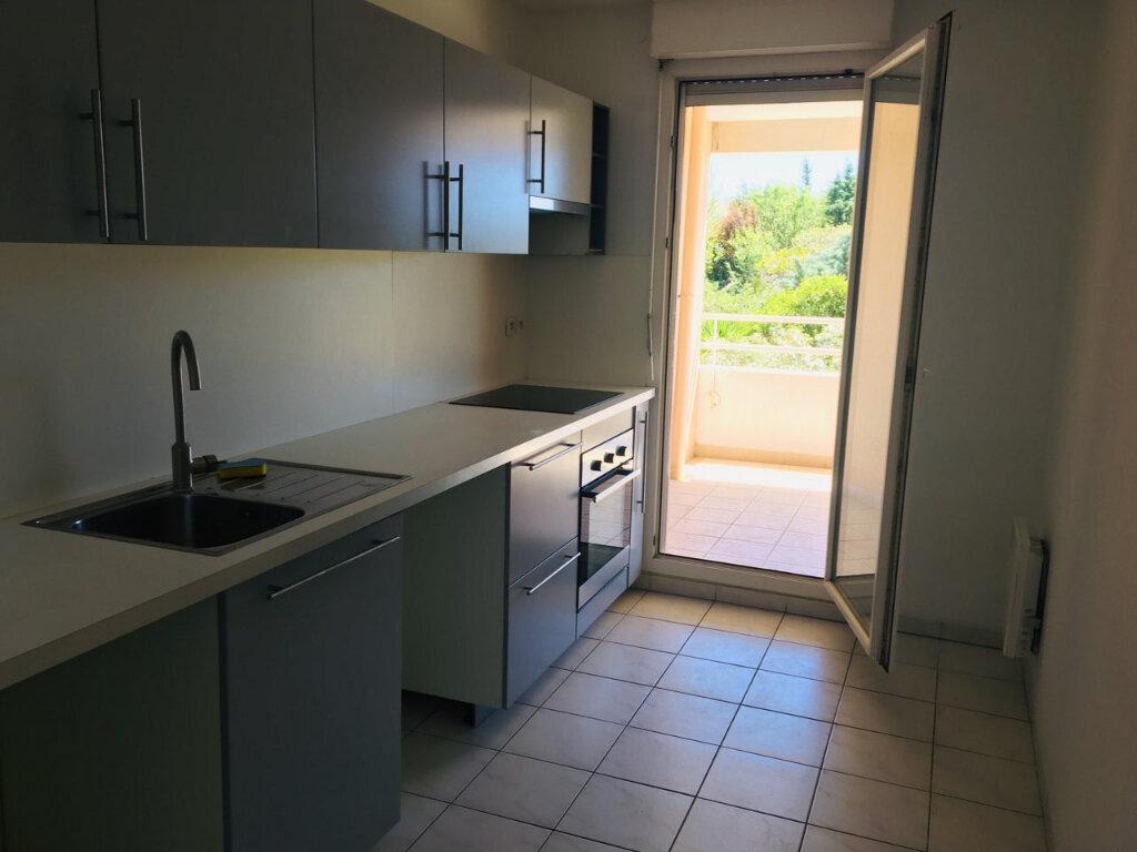 Appartement à louer 3 68m2 à Marseille 12 vignette-6