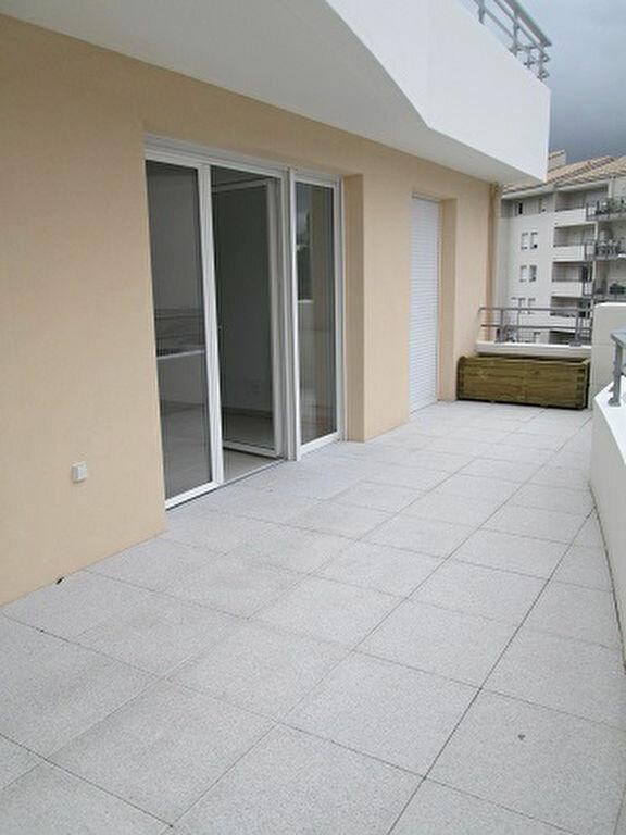 Appartement à louer 3 62m2 à Marseille 13 vignette-2