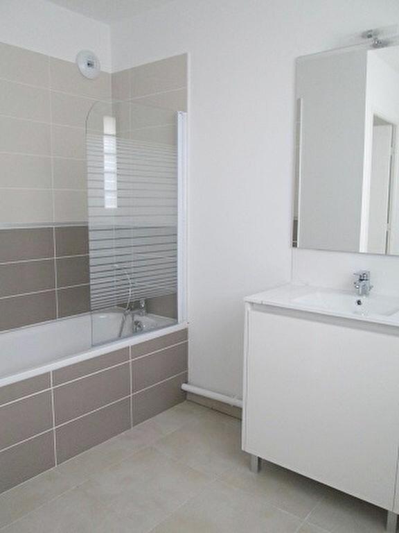 Appartement à louer 3 62m2 à Marseille 13 vignette-5