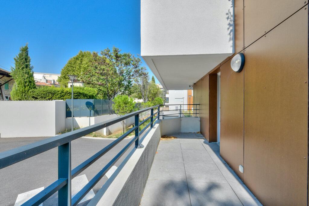 Appartement à louer 3 63m2 à Marseille 12 vignette-2