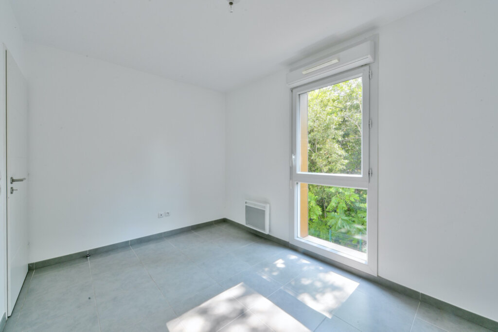 Appartement à louer 3 63m2 à Marseille 12 vignette-3