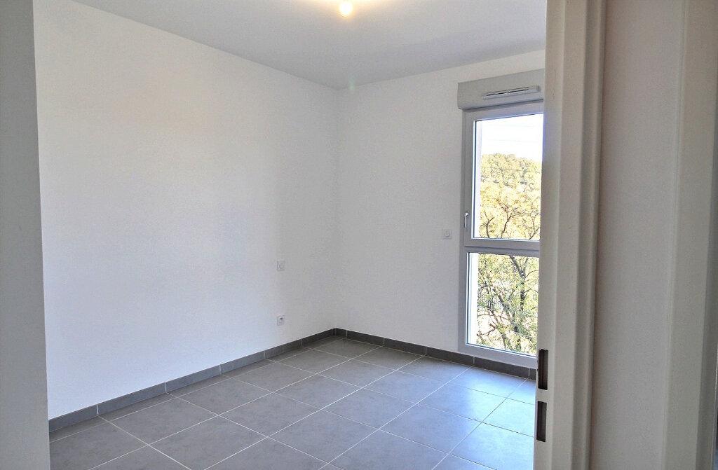 Appartement à louer 3 52m2 à Nîmes vignette-5