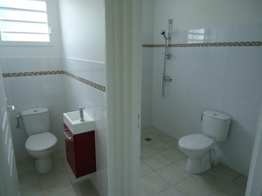 Appartement à louer 3 89m2 à Rivière-Salée vignette-8