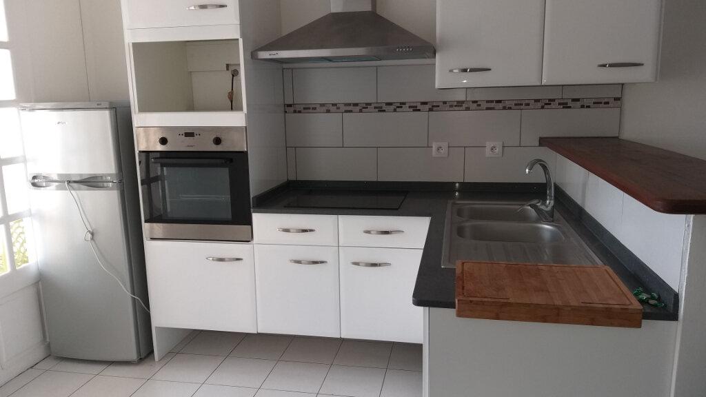 Appartement à louer 2 46.05m2 à Rivière-Salée vignette-3
