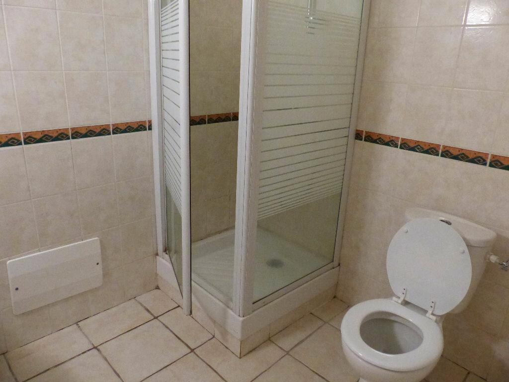 Appartement à louer 3 59.25m2 à Saint-Esprit vignette-6