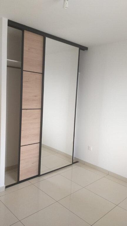 Appartement à louer 3 65.49m2 à Fort-de-France vignette-3