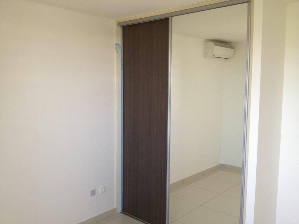 Appartement à louer 4 71.47m2 à Fort-de-France vignette-9