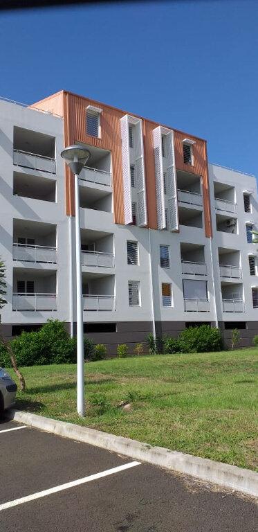 Appartement à louer 4 81m2 à Fort-de-France vignette-1