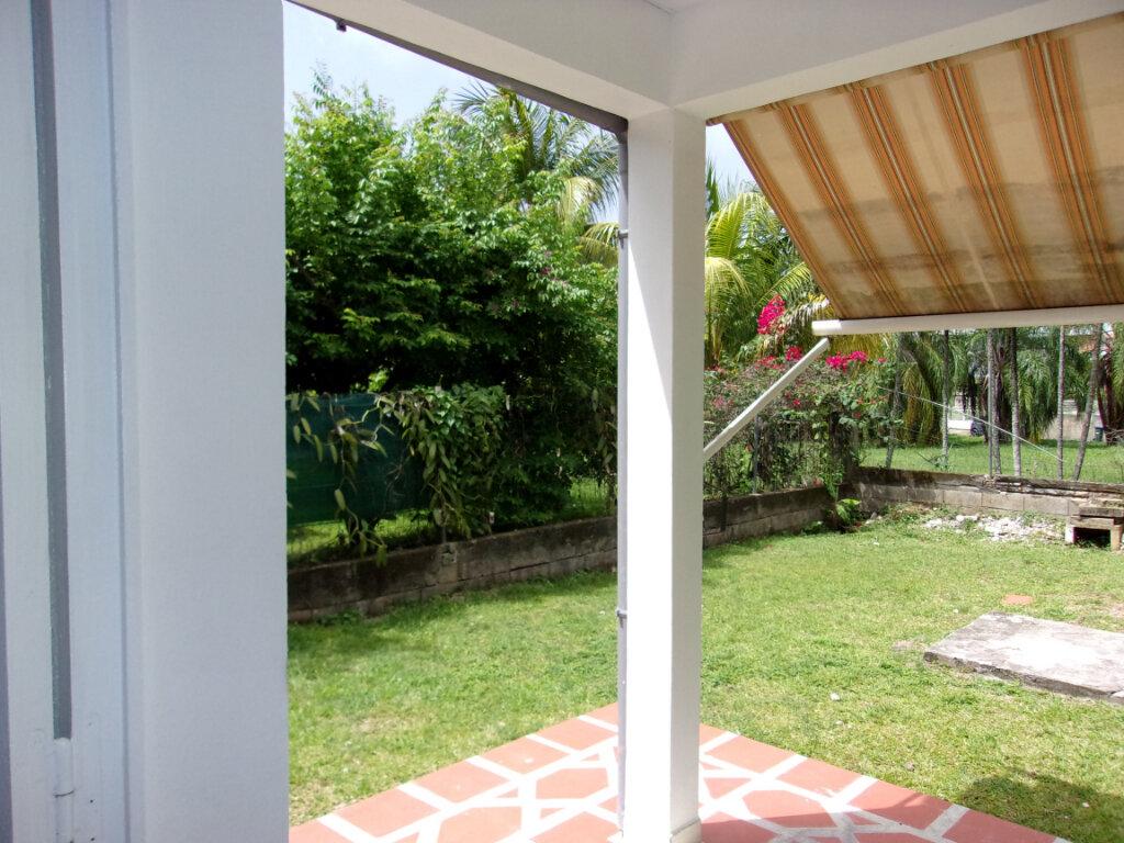 Maison à louer 3 65m2 à La Trinité vignette-2