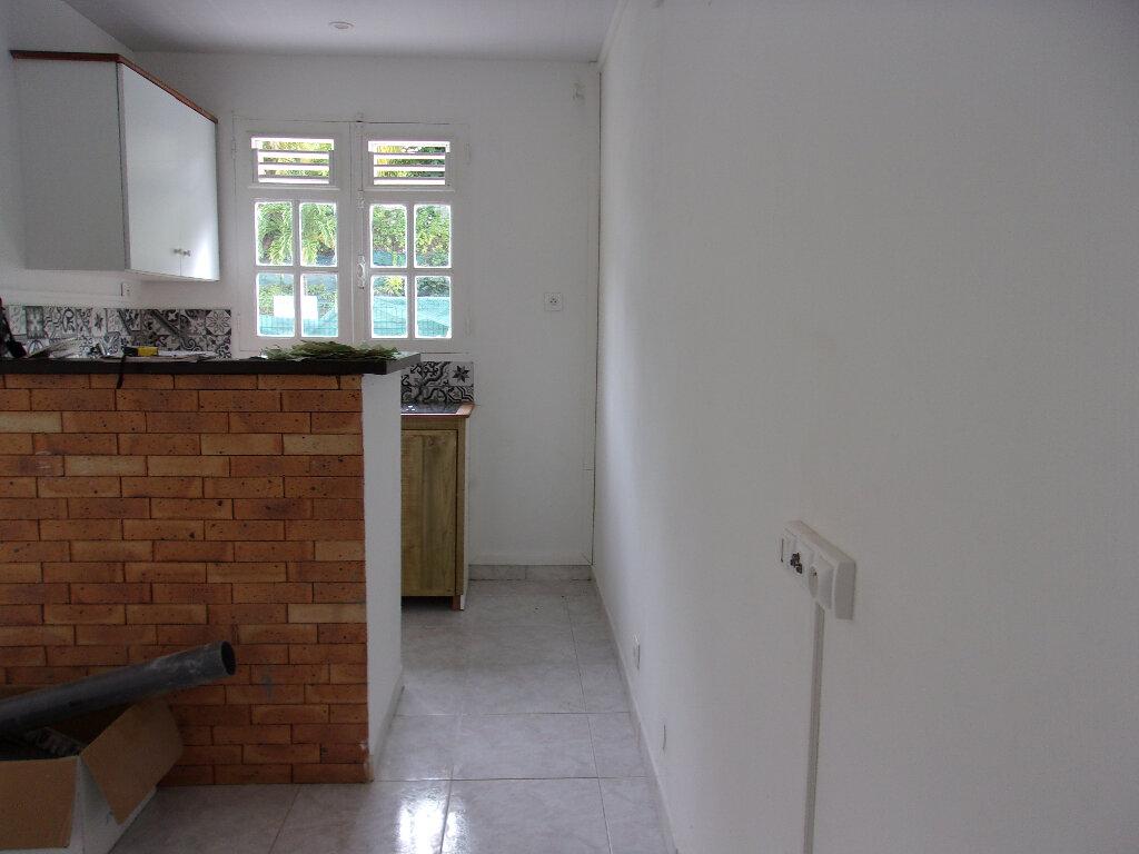 Maison à louer 3 65m2 à La Trinité vignette-5