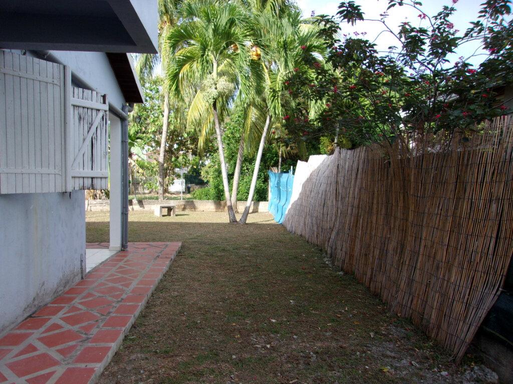 Maison à louer 3 65m2 à La Trinité vignette-14