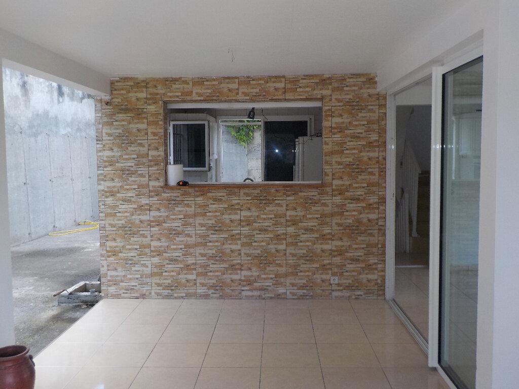 Maison à louer 5 133m2 à Rivière-Salée vignette-3