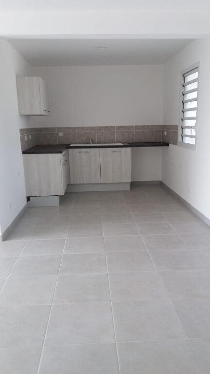 Appartement à louer 2 48.08m2 à Fort-de-France vignette-2