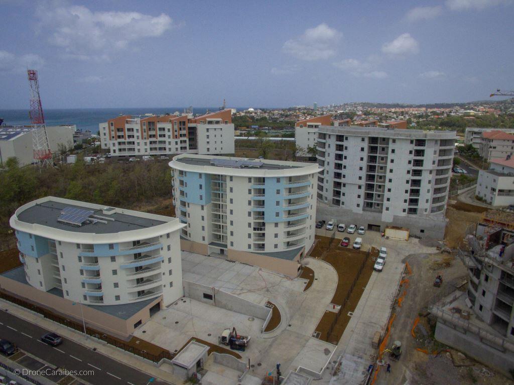 Appartement à louer 4 72.07m2 à Fort-de-France vignette-1
