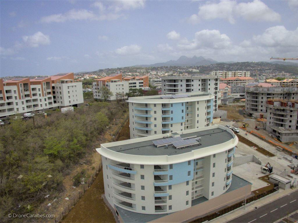 Appartement à louer 4 72.07m2 à Fort-de-France vignette-2