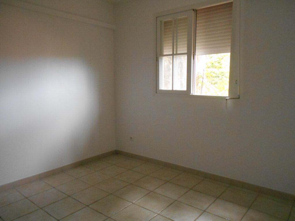 Appartement à louer 3 65.17m2 à Le François vignette-8