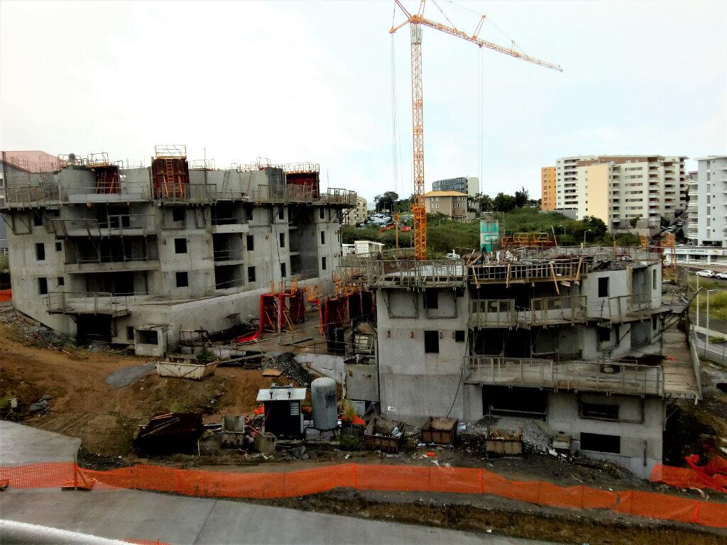 Appartement à louer 3 63.46m2 à Fort-de-France vignette-2
