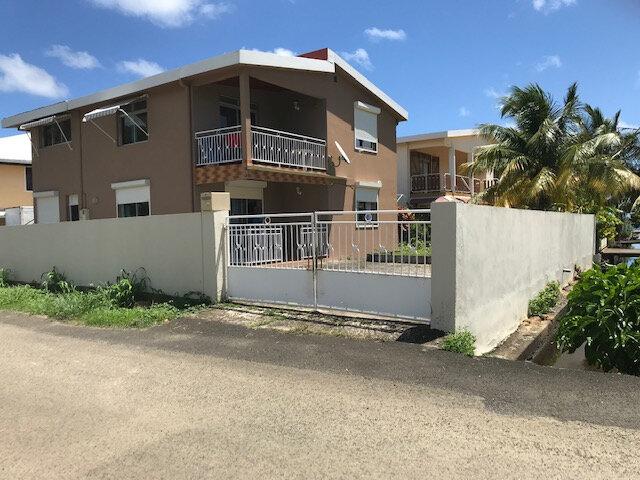 Appartement à louer 4 82.26m2 à La Trinité vignette-2