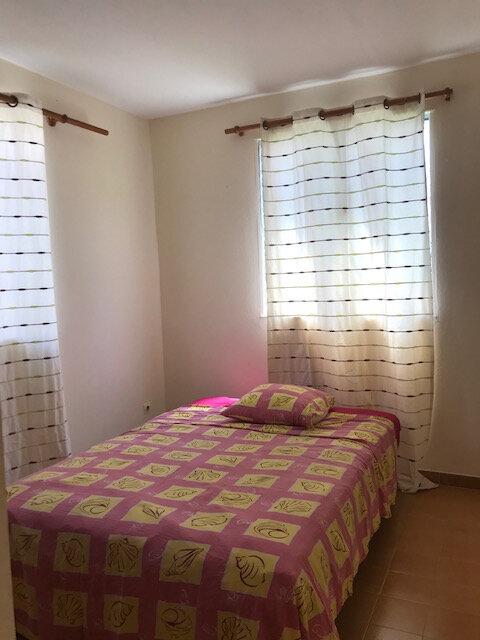 Appartement à louer 4 82.26m2 à La Trinité vignette-4