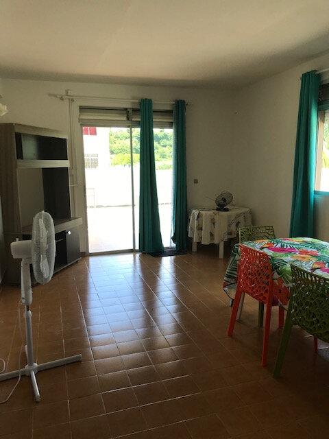 Appartement à louer 4 82.26m2 à La Trinité vignette-5