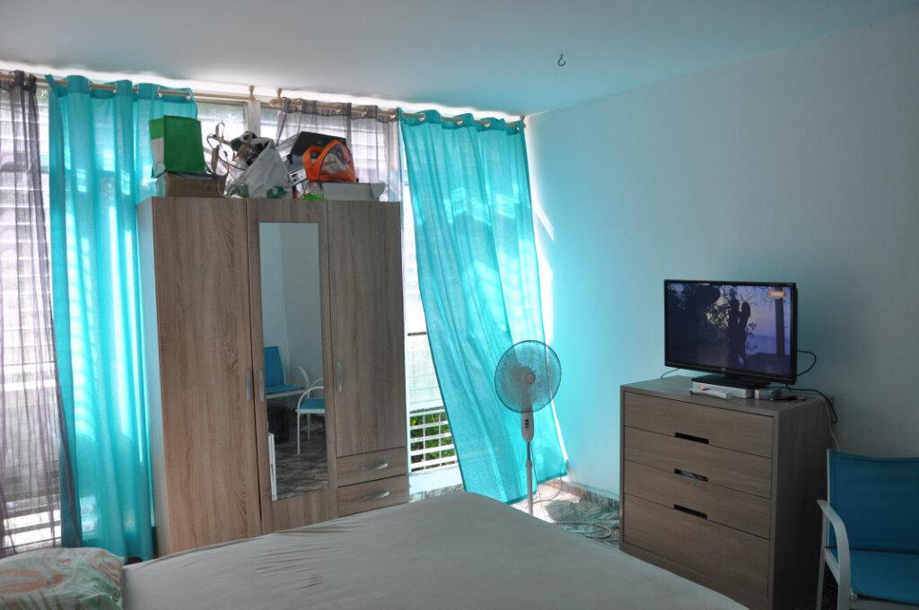 Appartement à vendre 3 81m2 à Fort-de-France vignette-2
