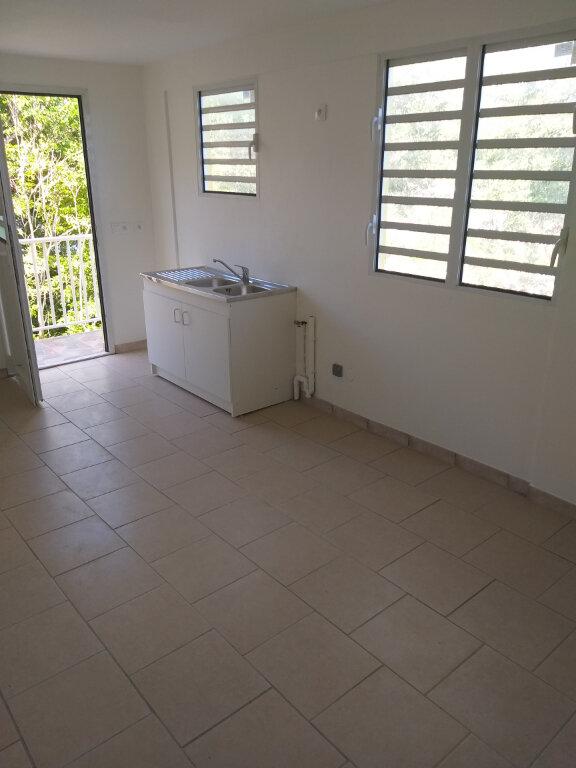 Appartement à louer 2 35m2 à Le Robert vignette-1