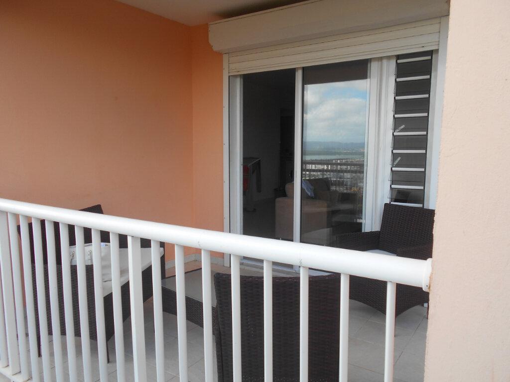 Appartement à louer 2 34m2 à Fort-de-France vignette-3