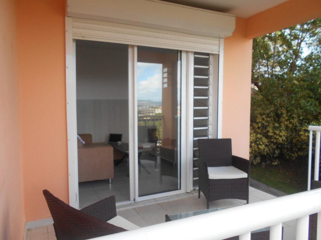 Appartement à louer 2 34m2 à Fort-de-France vignette-4