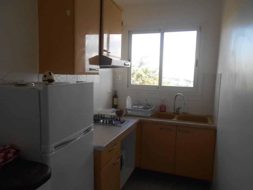 Appartement à louer 2 34m2 à Fort-de-France vignette-9