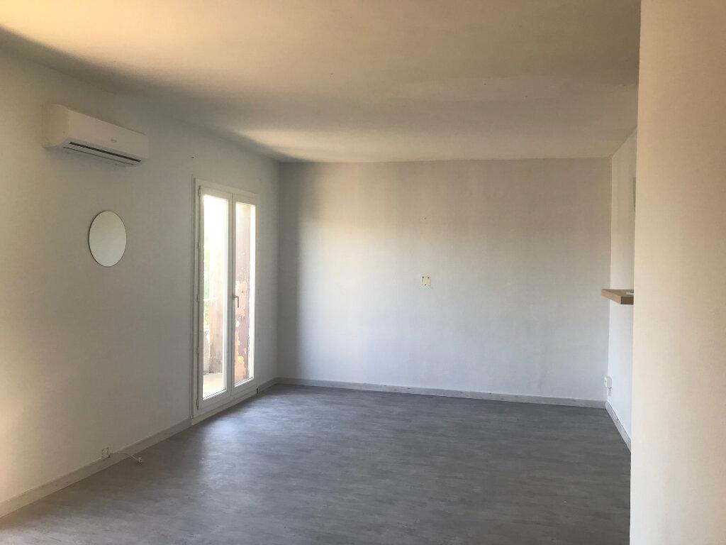 Appartement à vendre 4 82m2 à Le Pontet vignette-1