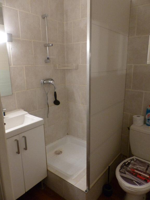 Appartement à vendre 2 44m2 à Avignon vignette-6