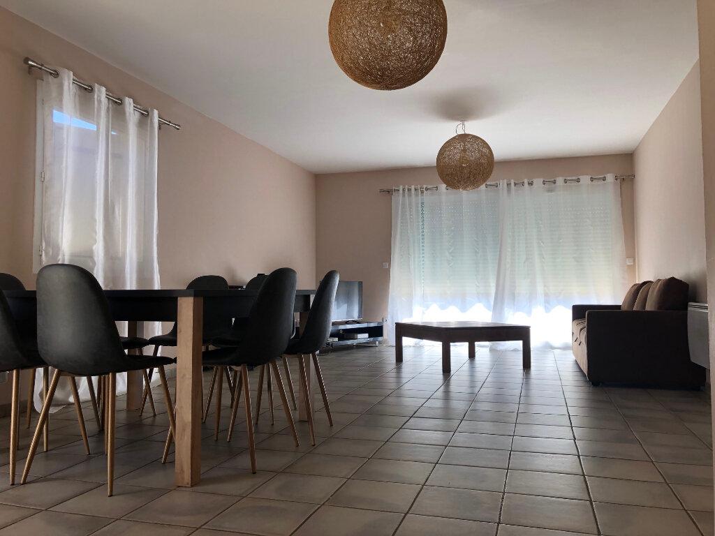 Maison à vendre 5 101m2 à Saint-Laurent-des-Arbres vignette-1
