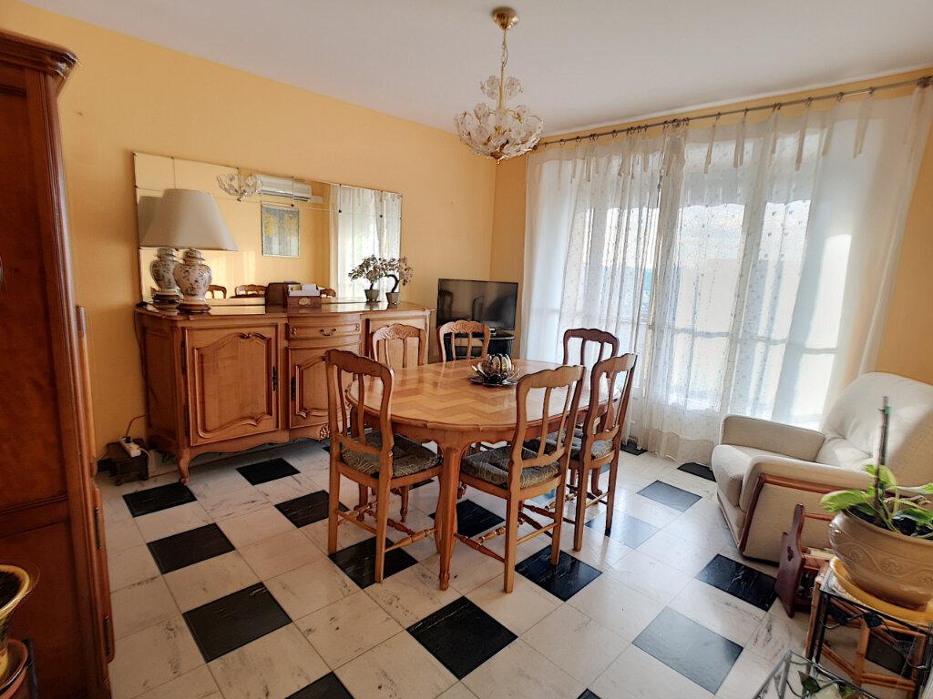 Appartement à vendre 4 69m2 à Le Pontet vignette-1
