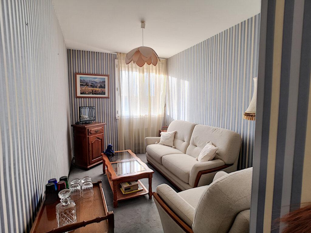 Appartement à vendre 4 69m2 à Le Pontet vignette-2