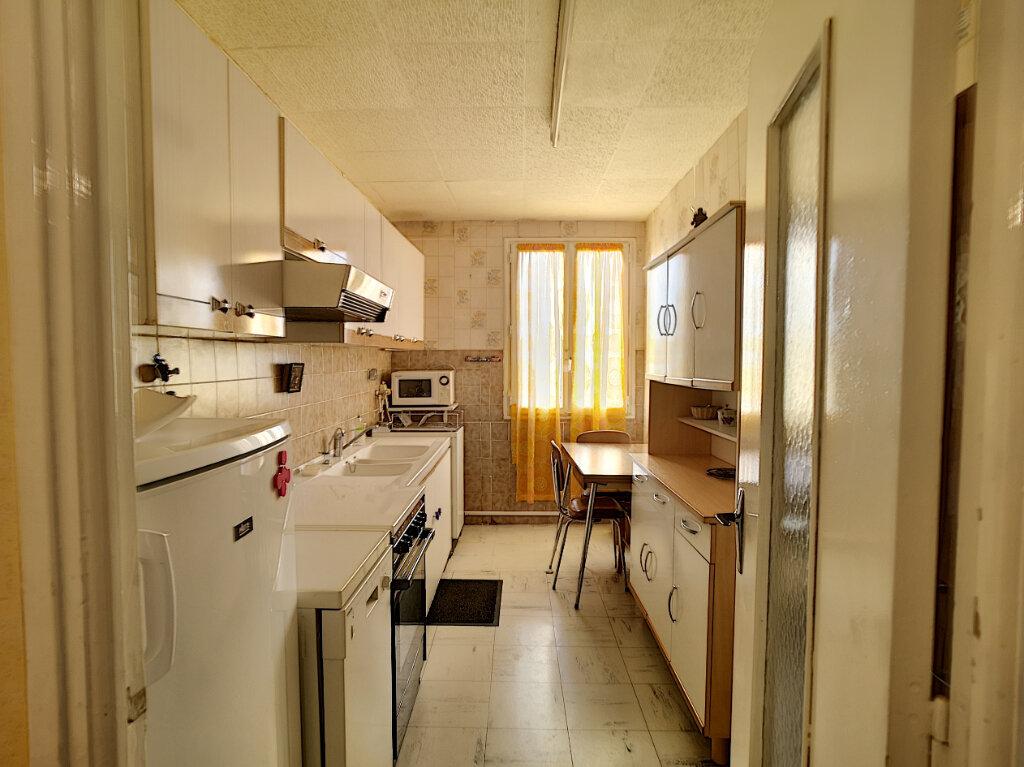 Appartement à vendre 4 69m2 à Le Pontet vignette-3