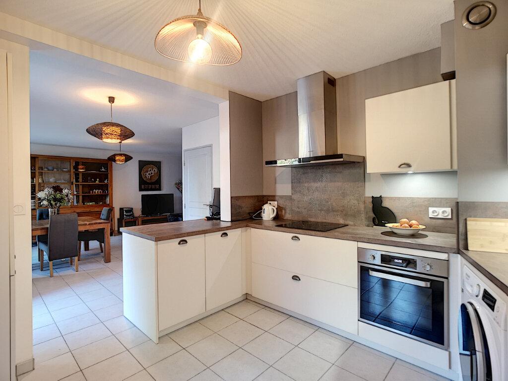 Appartement à vendre 4 101.38m2 à Le Pontet vignette-3