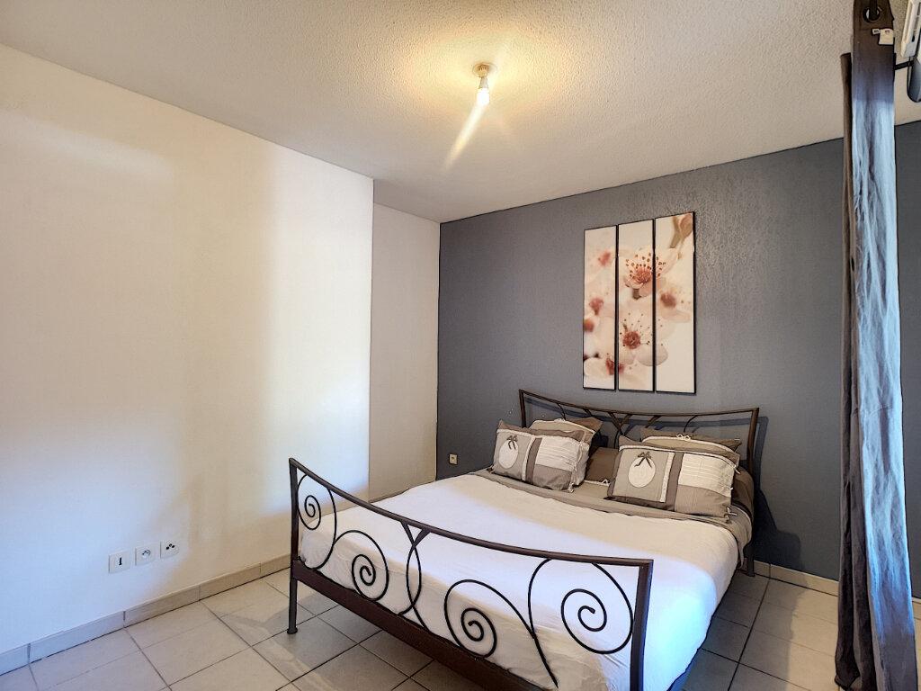 Appartement à vendre 4 101.38m2 à Le Pontet vignette-4