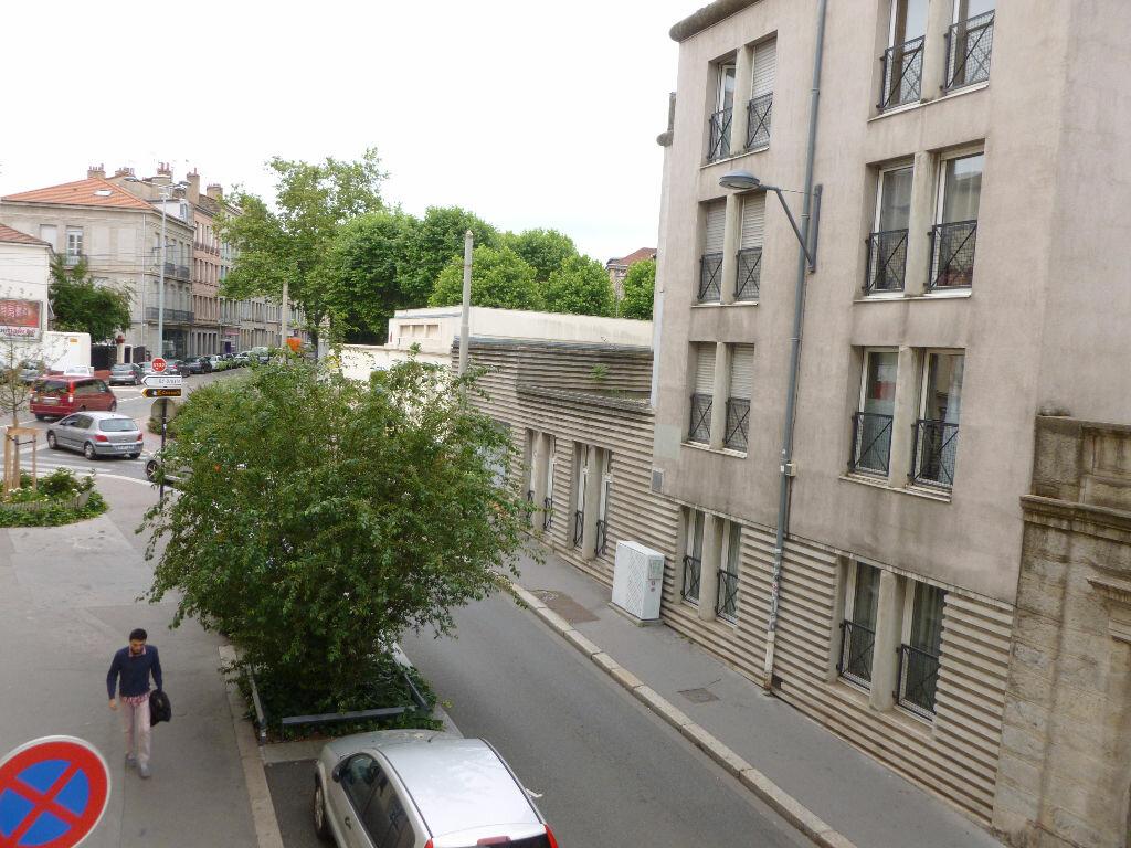 Appartement à louer 3 65m2 à Saint-Étienne vignette-7