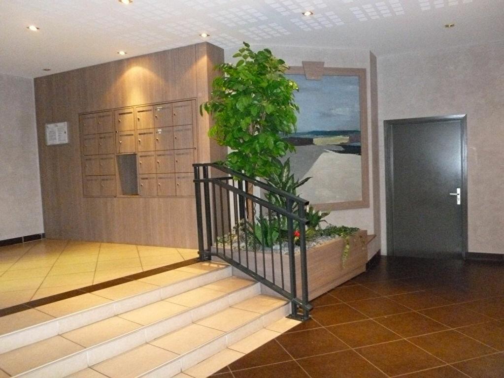 Appartement à louer 3 65m2 à Saint-Étienne vignette-8