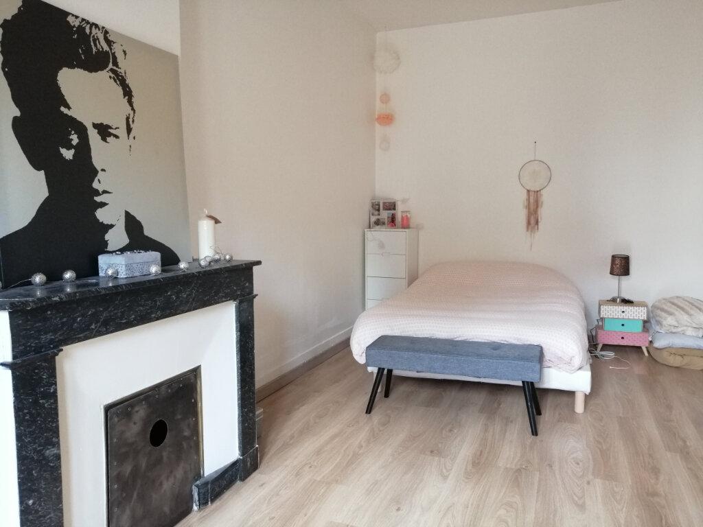 Appartement à louer 2 44.79m2 à Saint-Étienne vignette-1