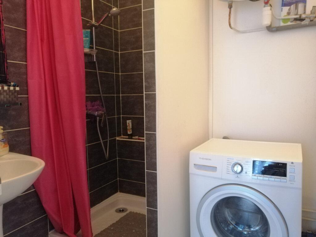 Appartement à louer 2 44.79m2 à Saint-Étienne vignette-4