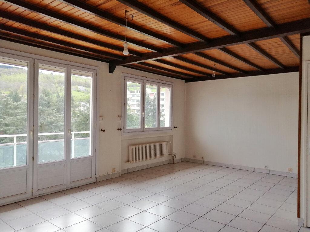 Appartement à louer 4 71.97m2 à Saint-Étienne vignette-1