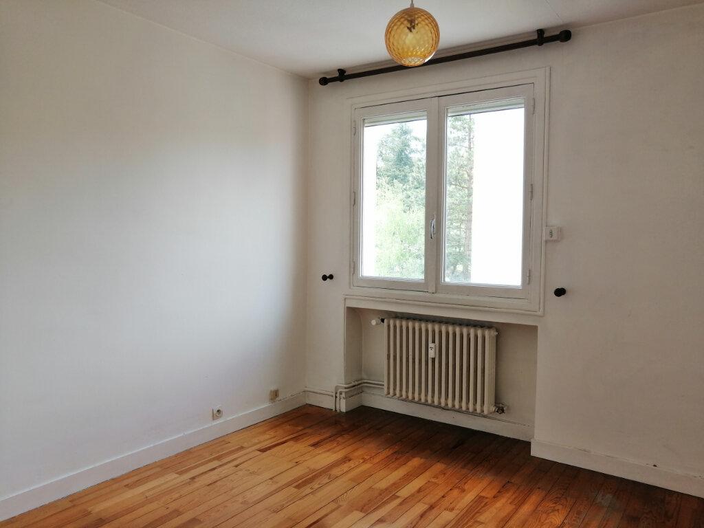 Appartement à louer 4 71.97m2 à Saint-Étienne vignette-3