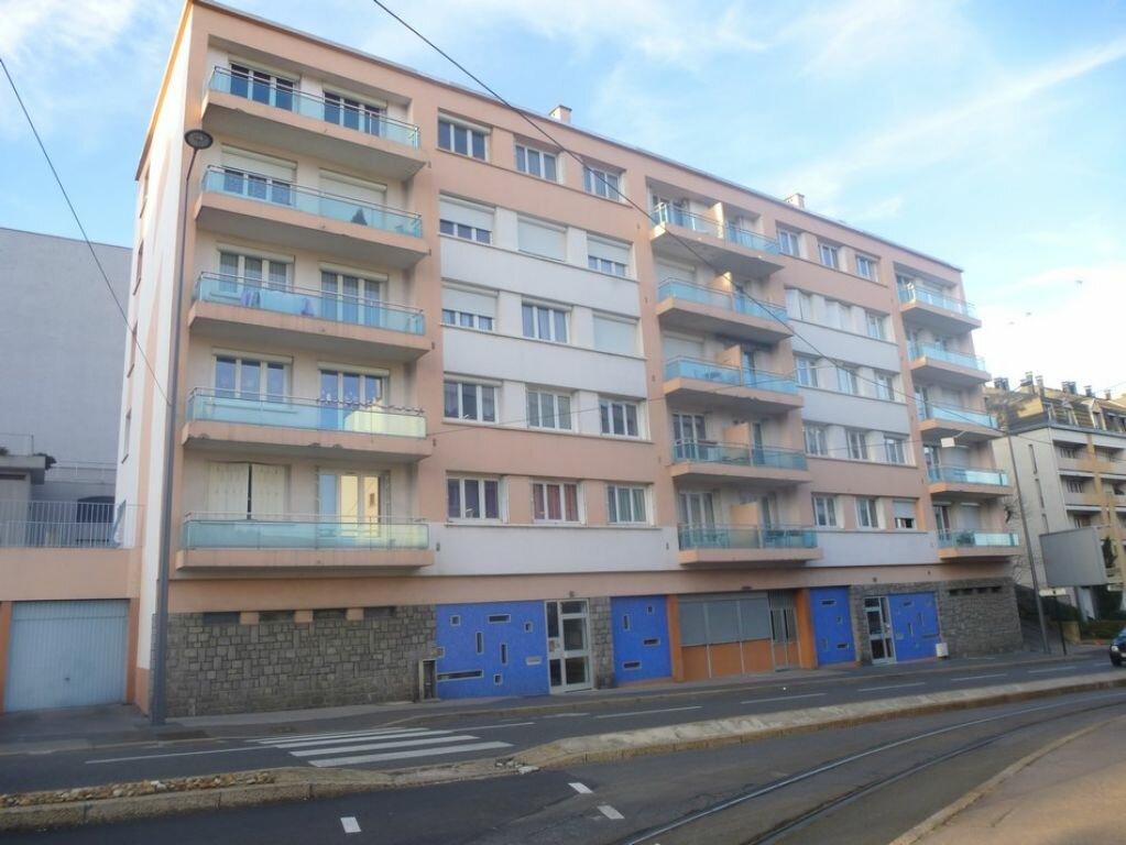 Appartement à louer 4 71.97m2 à Saint-Étienne vignette-4